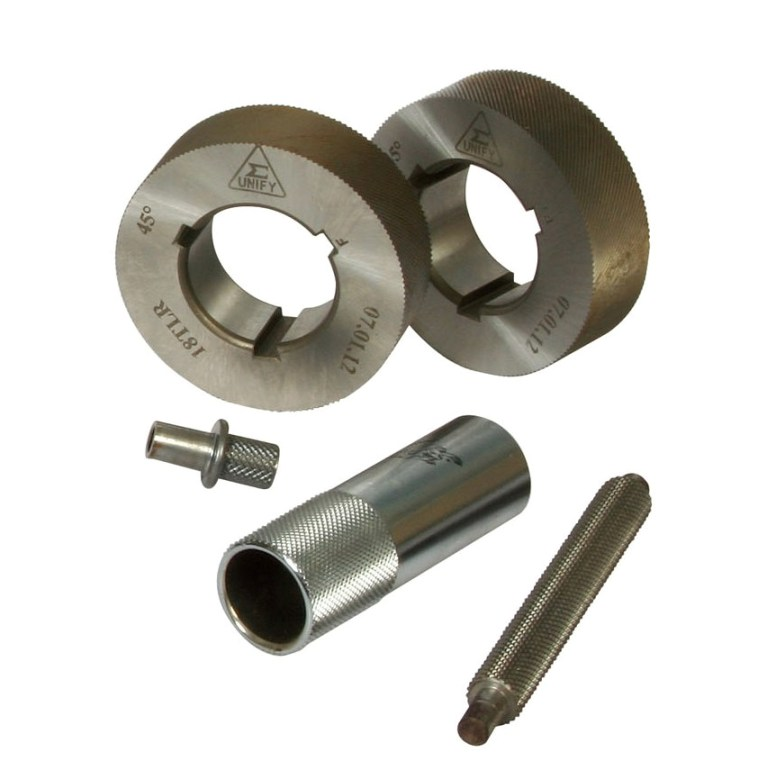 The knurling pattern with non-skid and attracting in appearance on manual tools (straight knurling pattern or diamond knurling pattern) by the knurling dies.